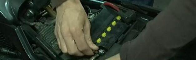 Le changement de batterie d'un véhicule: ne pas faire n'importe quoi.