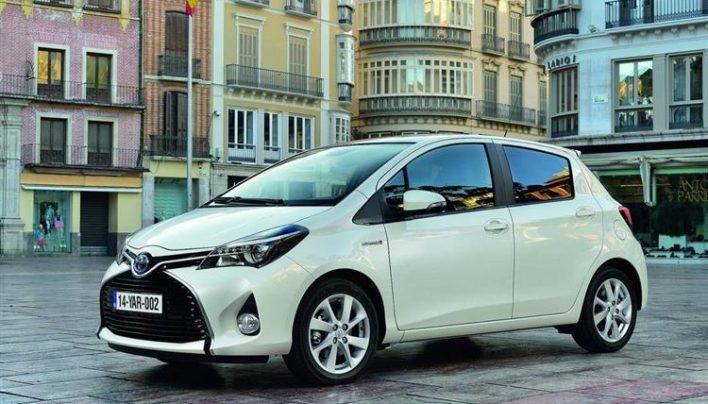 La voiture hybride séduit de plus en plus les constructeurs automobiles