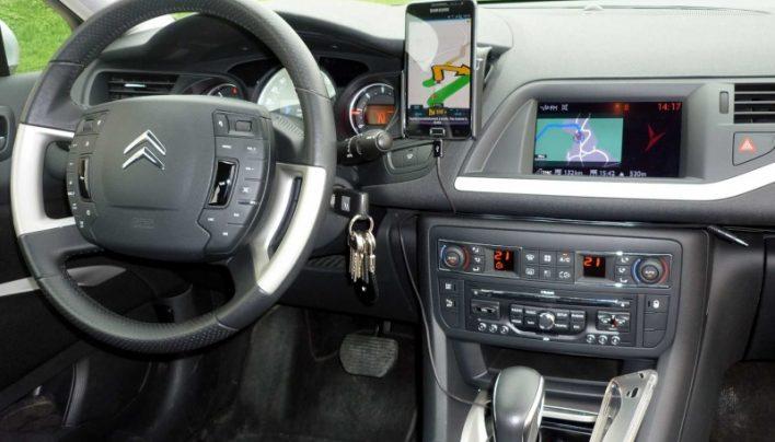 Déplacements en voiture : opter pour un bon équipement